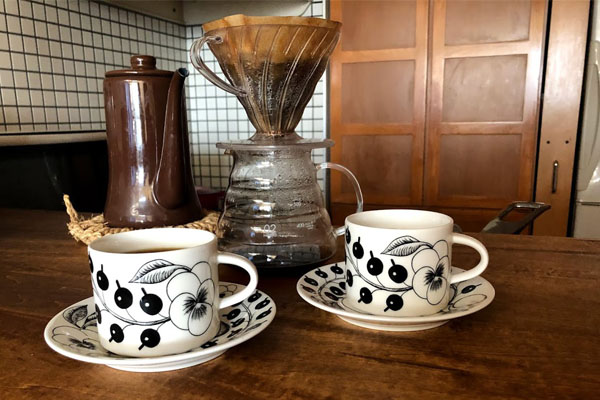 欲しい北欧食器を使ってみました!~ブラック パラティッシ コーヒーカップ&ソーサー~