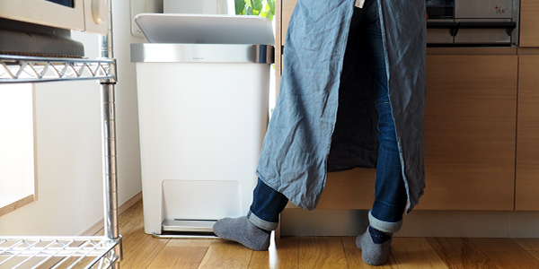 【新商品】ネガティブ系の家事を機嫌よく! 「simplehuman」のダストボックス