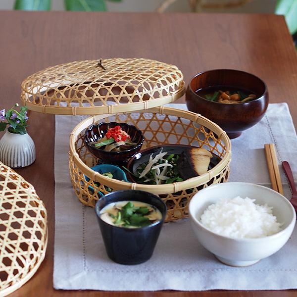 「目で食す」。食卓を豊かに演出する竹かごです。