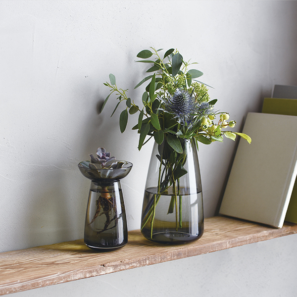 【新商品】花を飾ろう。気軽に使えるベースをご紹介します