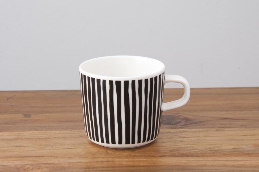 【限定】マリメッコ コーヒーカップ 200ml バルブンライタ ブラック / marimekko Varvunraita